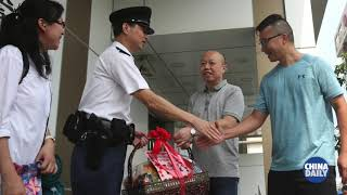 HK residents show support for police
