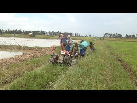 Amazing Stuck Driver Skills Compilation | World`s Amazing Modern Agriculture Equipment Stuck In Mud