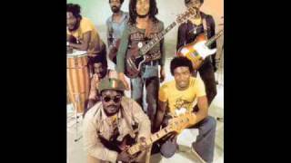 Bob Marley And The Wailers - Mr. Chatterbox