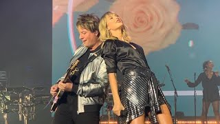 Taylor Swift - Love Story (Live From Paris)