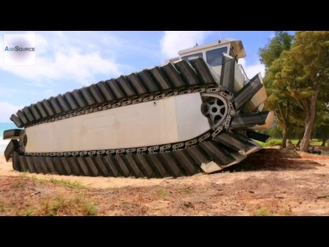 US Marines MASSIVE Experimental Amphibious Vehicle - Ultra Heavy-Lift Amphibious Connector