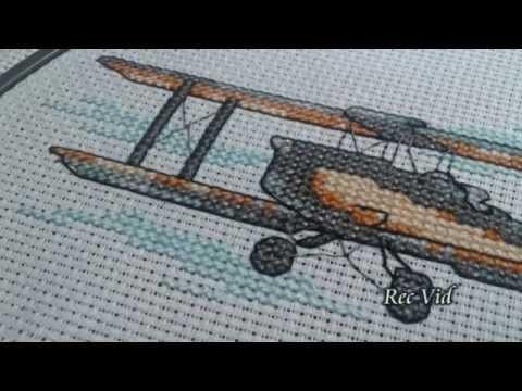 Вышивка крестиком самолета