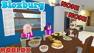 FIXIN' BREAKFAST, LUNCH & DINNER! NOM! NOM! / Roblox: Welcome to Bloxburg