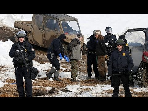 Kuzey Dakota Petrol Boru Hattı protestosuna polis müdahalesi