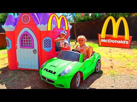 McDonalds 🍔 CON MI COCHE 🚗 DRIVE THRU CRYING BABY 👶 Ratitas Pandilleras