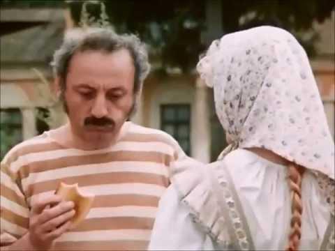 Отец трахает дочь на сеновале