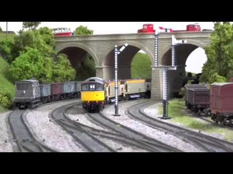 Heljan Class 33 and Class 128 for