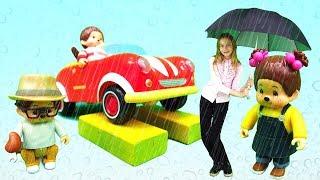 Мультики для малышей. Видео с игрушками. Обезьянки Monchhichi под дождем