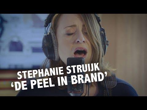 Stephanie Struijk - 'De Peel In Brand' (Rowwen Hèze Cover) Live @ Ekdom In De Ochtend
