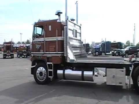 8V92 Detroit Diesel Powered 1984 Freightliner Arriving At Truckin' For Kids  2012