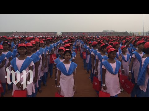 Tens of thousands in India attempt to break tooth brushing record