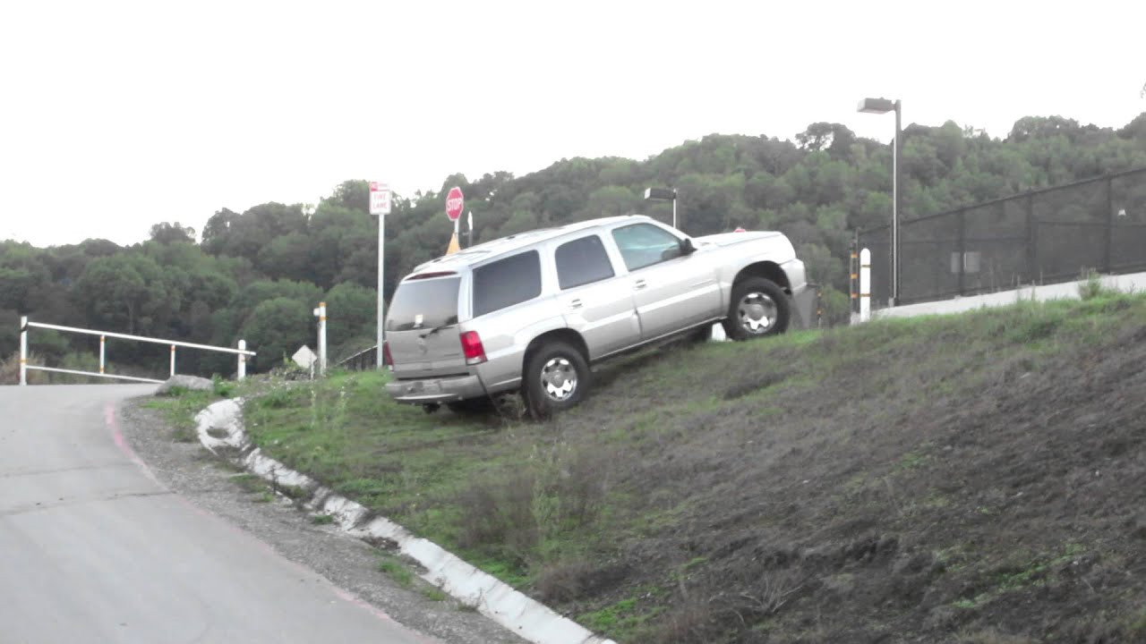 Escalade Off Roading Youtube