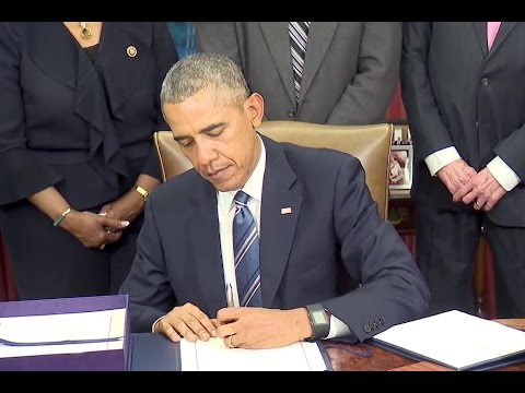The President signs the Trade Facilitation and Trade Enforcement Act of 2015