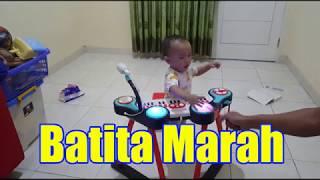 Download Video Bayi Marah - Bayi Lucu Marah Mainannya Disentuh Ayahnya - Key Boom Boards Musical Toy MP3 3GP MP4