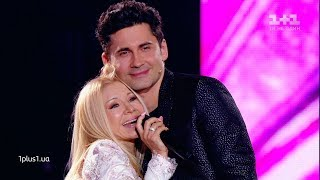 Dan Balan's mother sang on the stage of the Voice of the Country