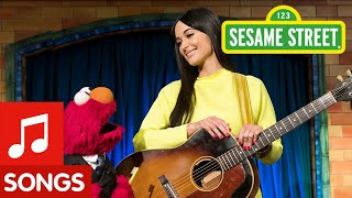 Rubber Duckie feat. Kacey Musgraves | The Not-Too-Late Show with Elmo