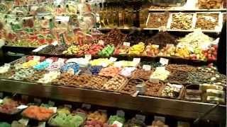 スペインのバルセロナにある19:30頃のサン・ジュセップ市場の様子(201...