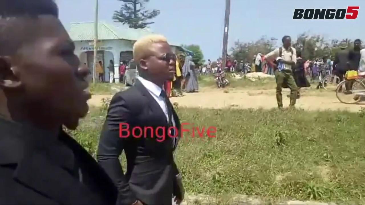 Harmonize atua msibani kwa Mzee Majuto