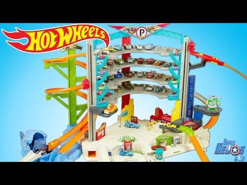 Hot Wheels Ultimate Garage Playset with Shark Attack Toy Cars Review Juguetes