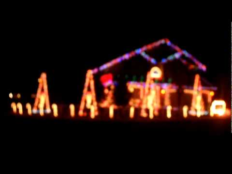 Cadger Christmas Light Show 2011 - Home Alone Theme Remix - YouTube
