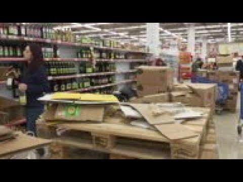 Empty shelves in Pristina shops amid virus panic
