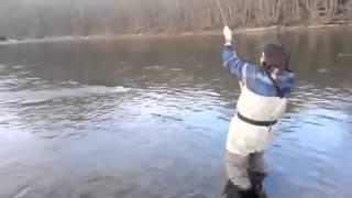Взял жену на рыбалку   Видео приколы на рыбалке смотреть бесплатно youtube original