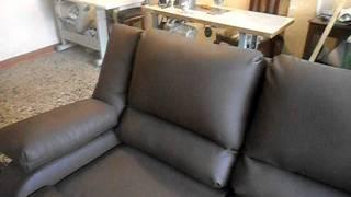 SAM_0016. experto tapicero de muebles en accion