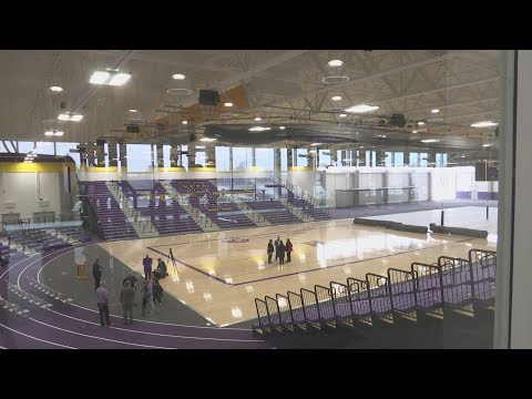 After four years of waiting, Hononegah High School opens new state-of-the art Fieldhouse