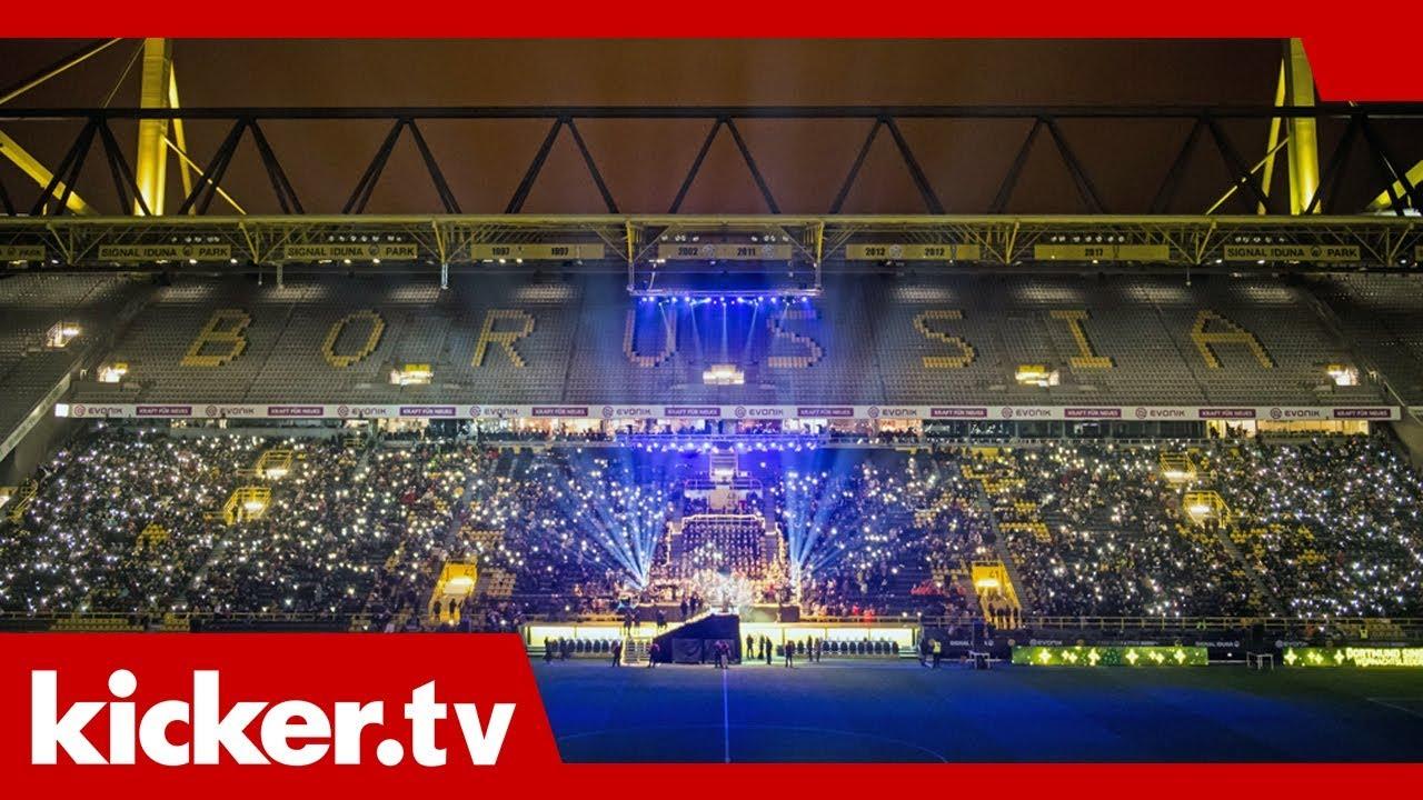 BVB-Profis und -Fans singen Weihnachtslieder - und einen Klassiker