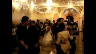 Жених поет невесте.MP4