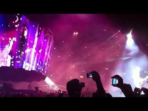 U2 360 Tour - I'll Go Crazy If I Don't Go Crazy Tonight (Remix) (Edge IEM)