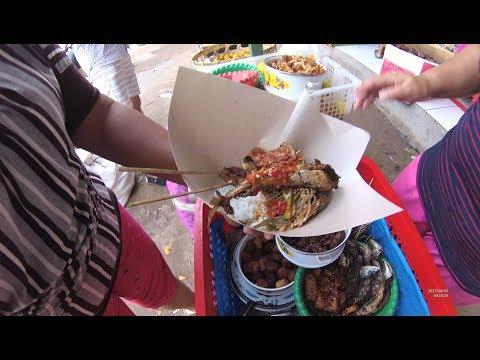 Indonesia Bali Street Food 2044 Nasi Komplit Ibu Luh Widiari Pasar Kampung Tinggi YDXJ0103