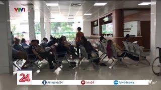 Muôn kiểu tránh nóng của người dân Hà Nội | VTV24