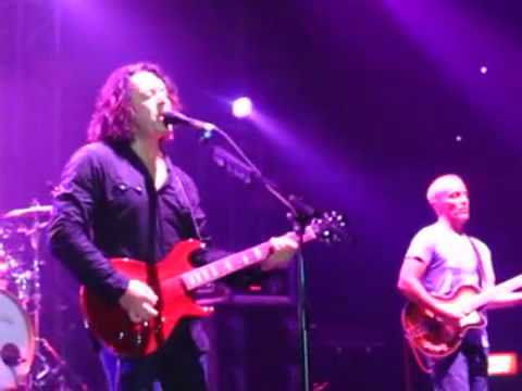 Tears for Fears - Billie Jean cover by Roland Orzabal LIVE IN MANILA
