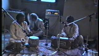Musik Ost West 1989 Regensburg, mit Shankar Lal und Chris Karrer (Amon Düül 2)