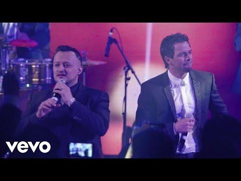 Ver Video de Mane de la parra Aarón Y Su Grupo Ilusión - El Reloj Cucú ft. Mane De La Parra