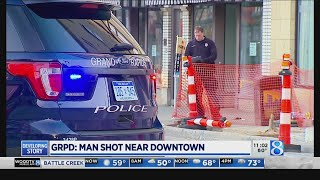Police: Man shot near downtown Grand Rapids