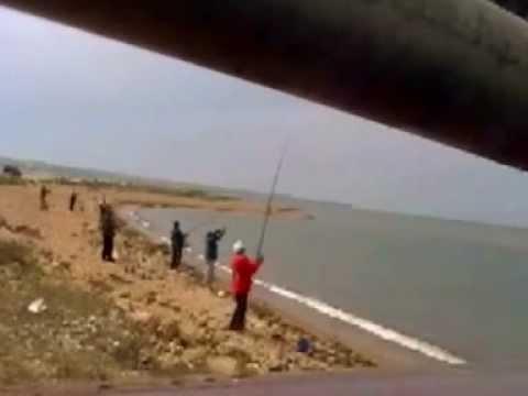 ловля рыбы в тамани море с берега