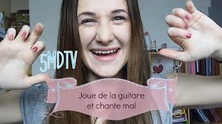 5MDTV I Dimanche joue de la guitare et chante mal