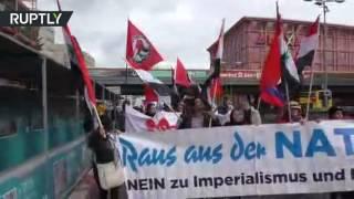 В Берлине активисты выступили против НАТО и за мир с Россией