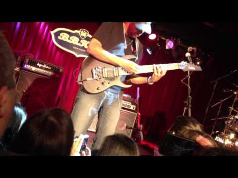 BB king club NEW YORK - TONY MACALPINE AMAZING SOLO LIVE