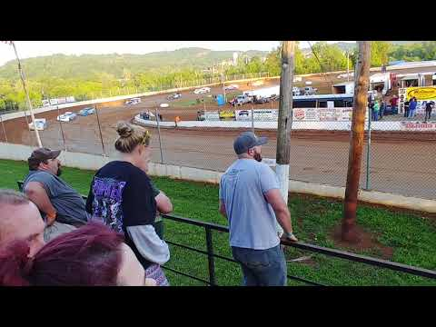 Lake Cumberland Speedway 5/5/2019 Late model Feature part 2 winner Tyler Carpenter