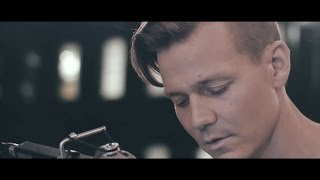 Repeat youtube video Coldplay - Yellow (Tyler Ward Cover)