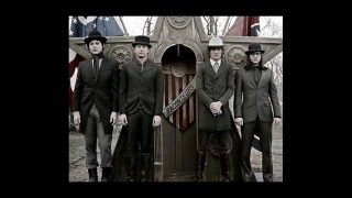 Five On The Five - The Raconteurs (lyrics)