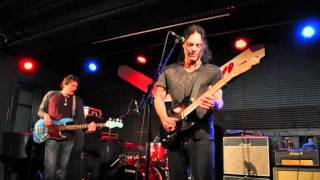 Watch Richie Kotzen Let Me In video