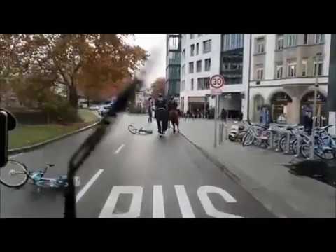 Angriff auf Stefan Räpple (AfD) nach Veranstaltung in Stuttgart (08.12.2018)