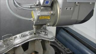 TRUMPF 3D-Laserbearbeitung: TruLaser Cell 3000 - 3D-Laserschneiden von Hitzeschutzblechen