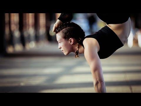 Yoga & Berlin | Anastasia Schevchenko