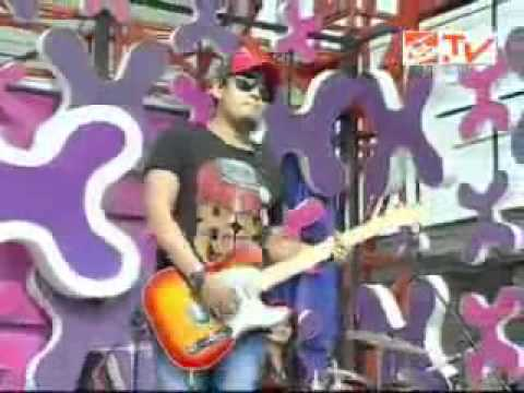 Setia Band feat Bella Wang   Sembah Sujud   YouTube