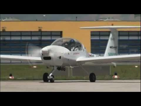 DA 36 E-Star: first flight of an hybrid aircraft with range extender (EADS, Siemens)